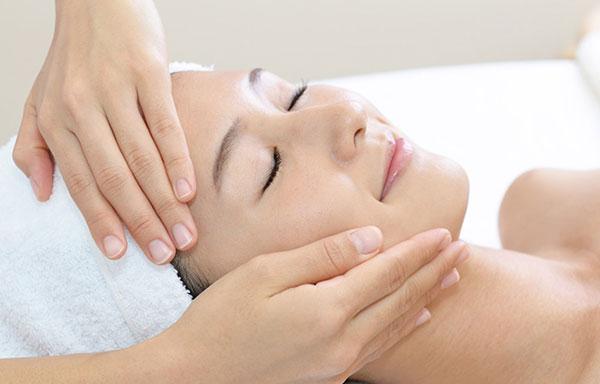 the best facial treatments at top aesthetics clinic, Twickenham